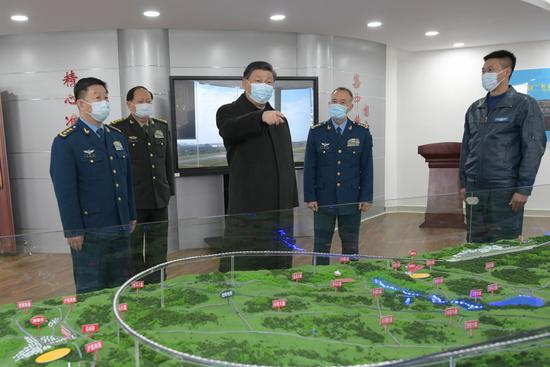 Xi inspects air force troops stationed in Guizhou
